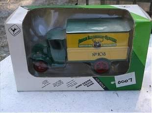 ERTLE JOHN DEERE 1/38 #5564 TRUCK BANK IN BOX