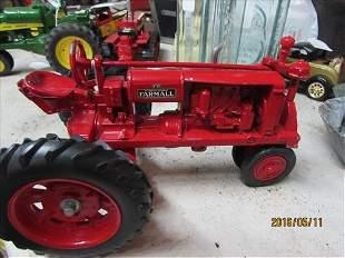 Farmall Tractor New HI 8x4