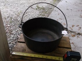 "Big Wagner Cast Iron 10 Stew/cooking Pot 12""diam"