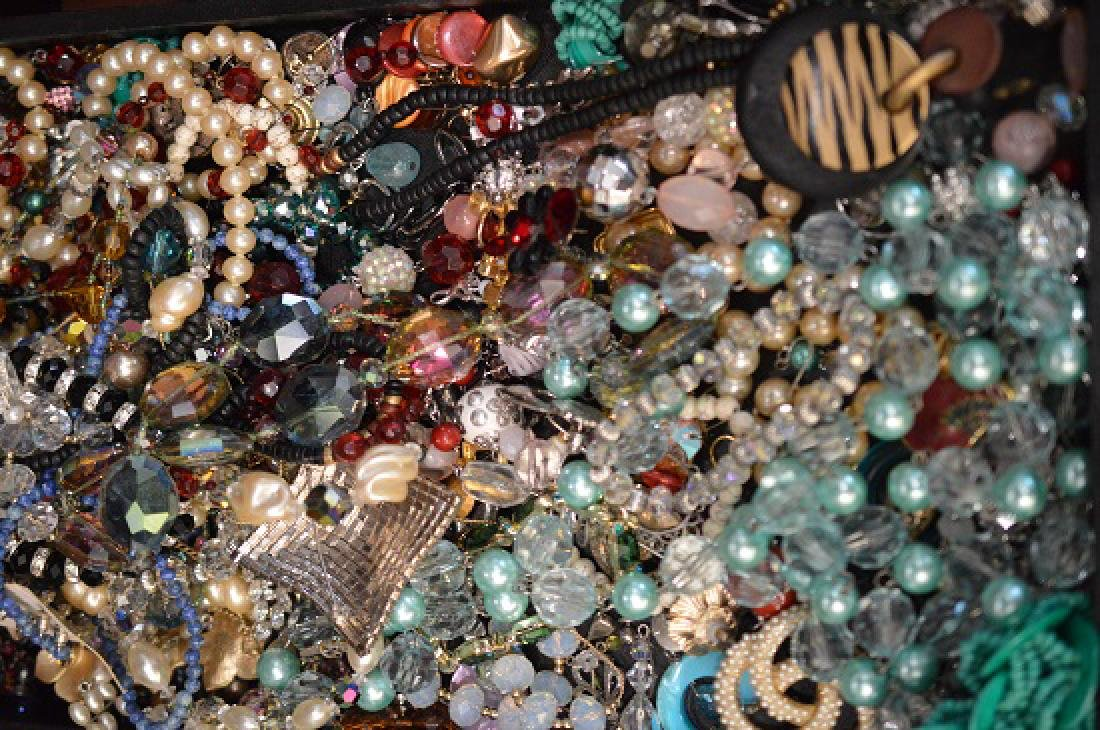Large lot of costume jewelry - 5