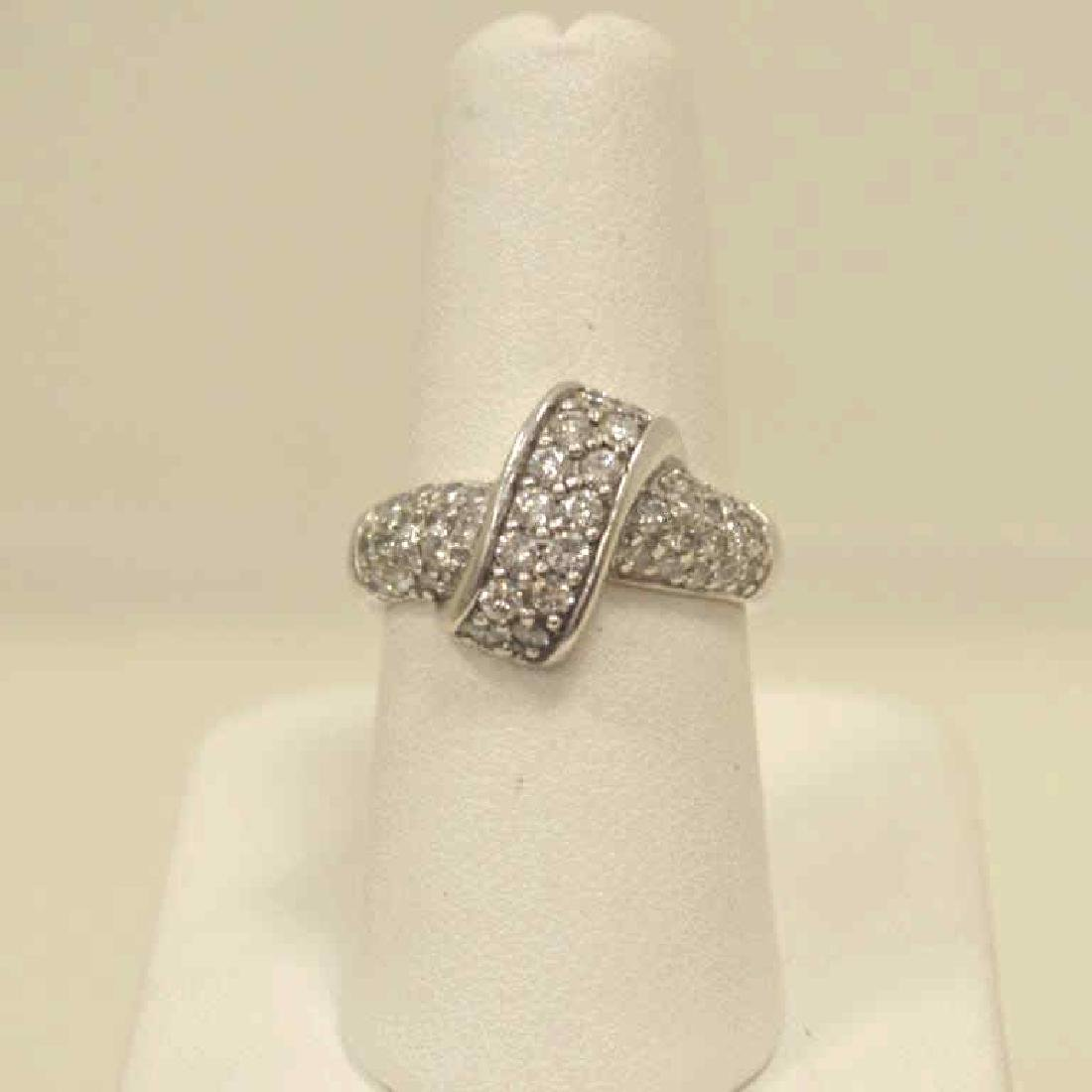 14kt white gold diamond fashion ring
