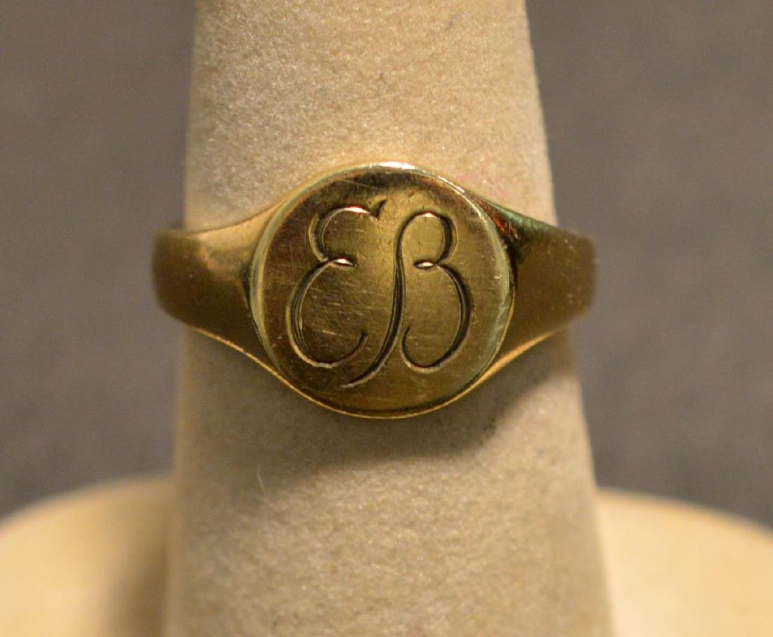Eva Braun .585 Yellow Gold Round Signet Ring