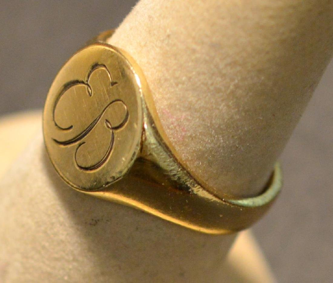 Eva Braun .585 Yellow Gold Round Signet Ring - 3