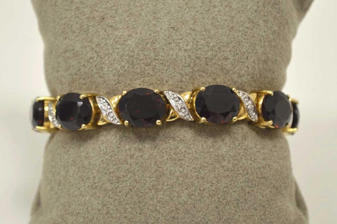 14kt yellow gold garnet bracelet - 2