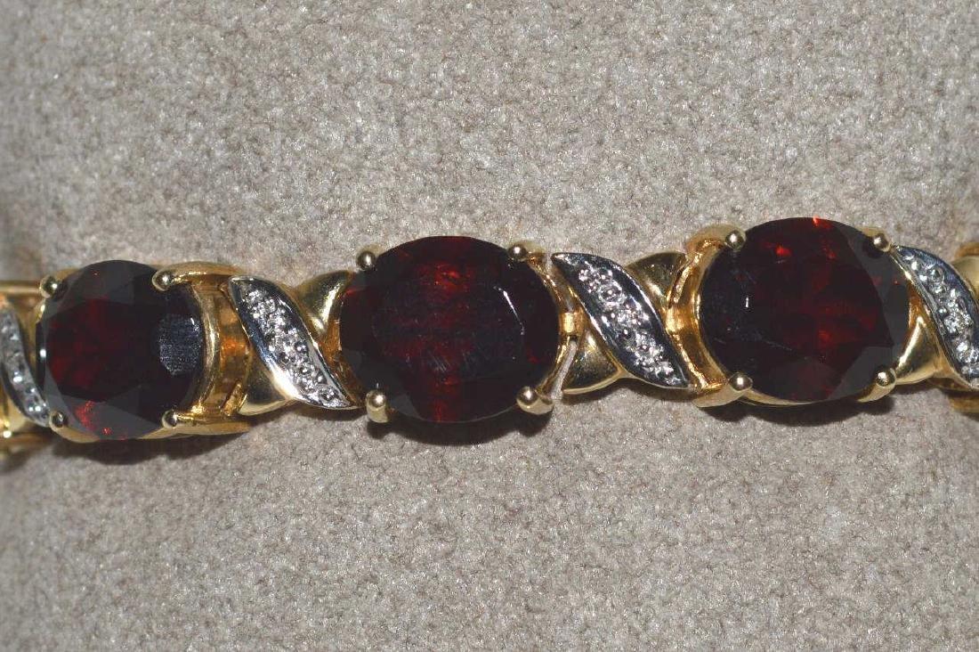 14kt yellow gold garnet bracelet - 3