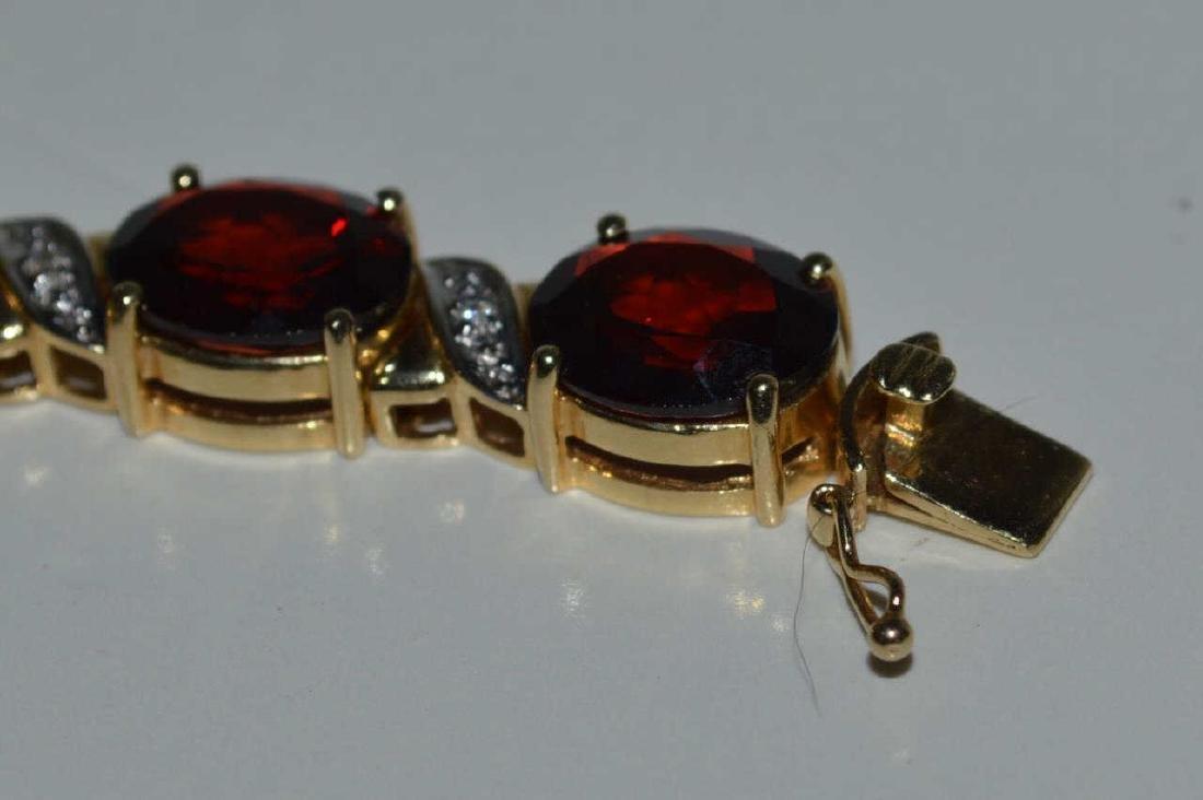 14kt yellow gold garnet bracelet - 4