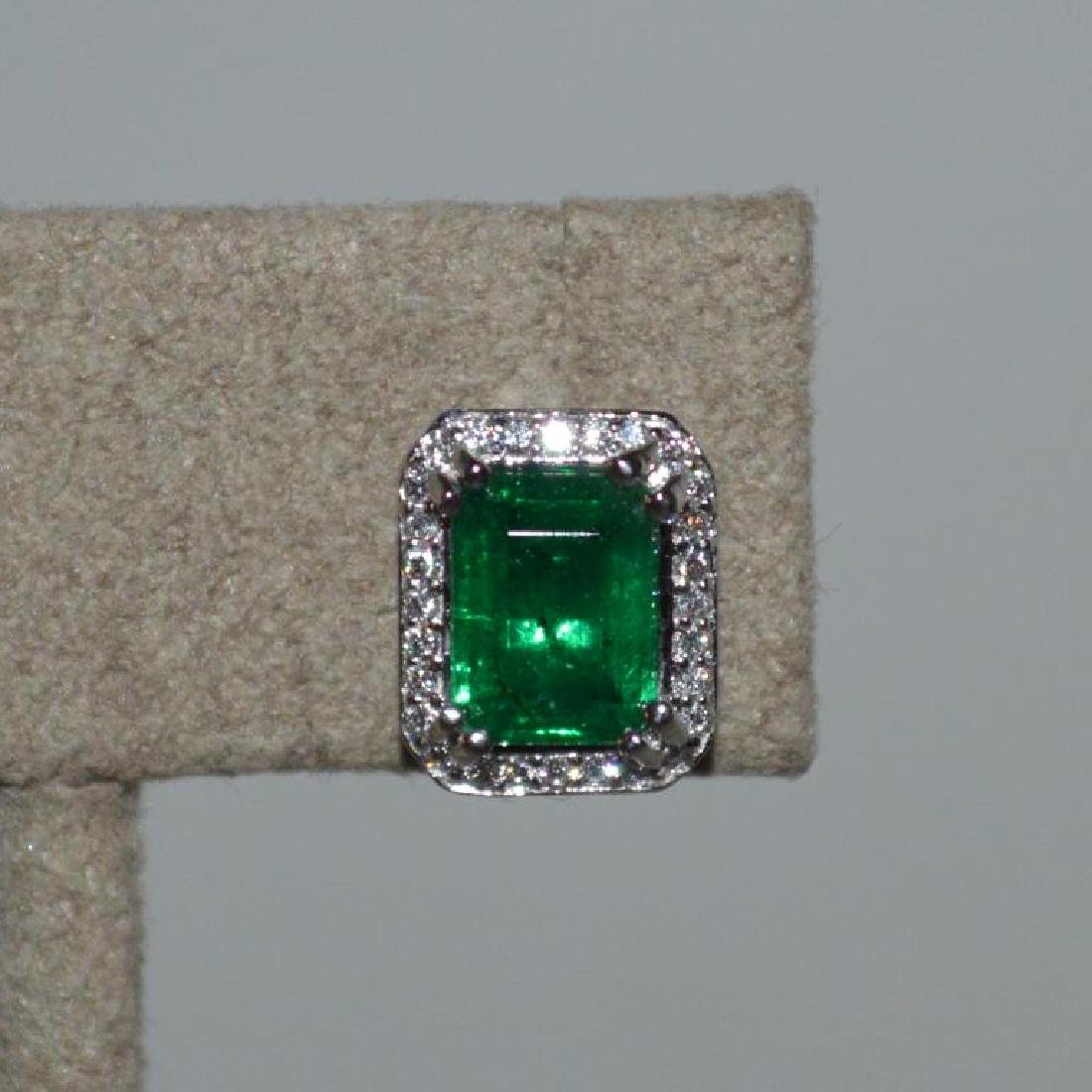 Platinum emerald and diamond earrings - 2