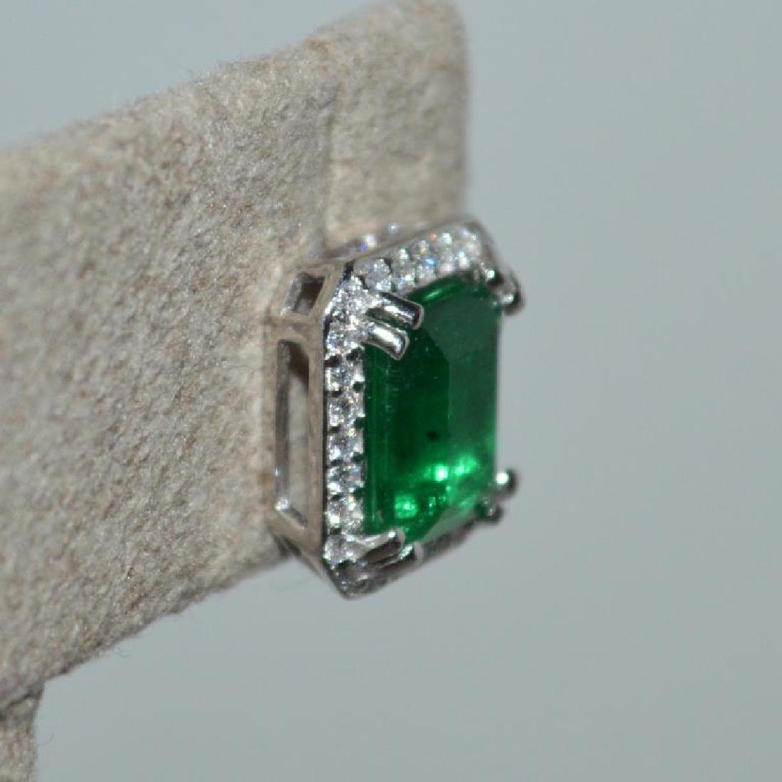 Platinum emerald and diamond earrings - 3