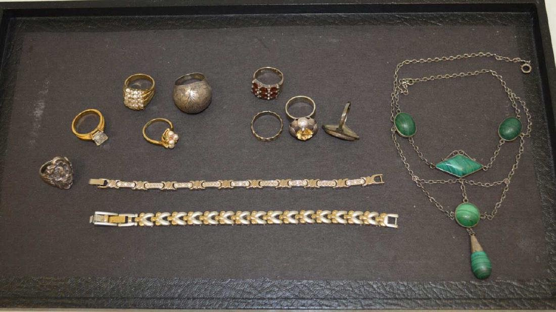 Lot of mixed costume jewelry