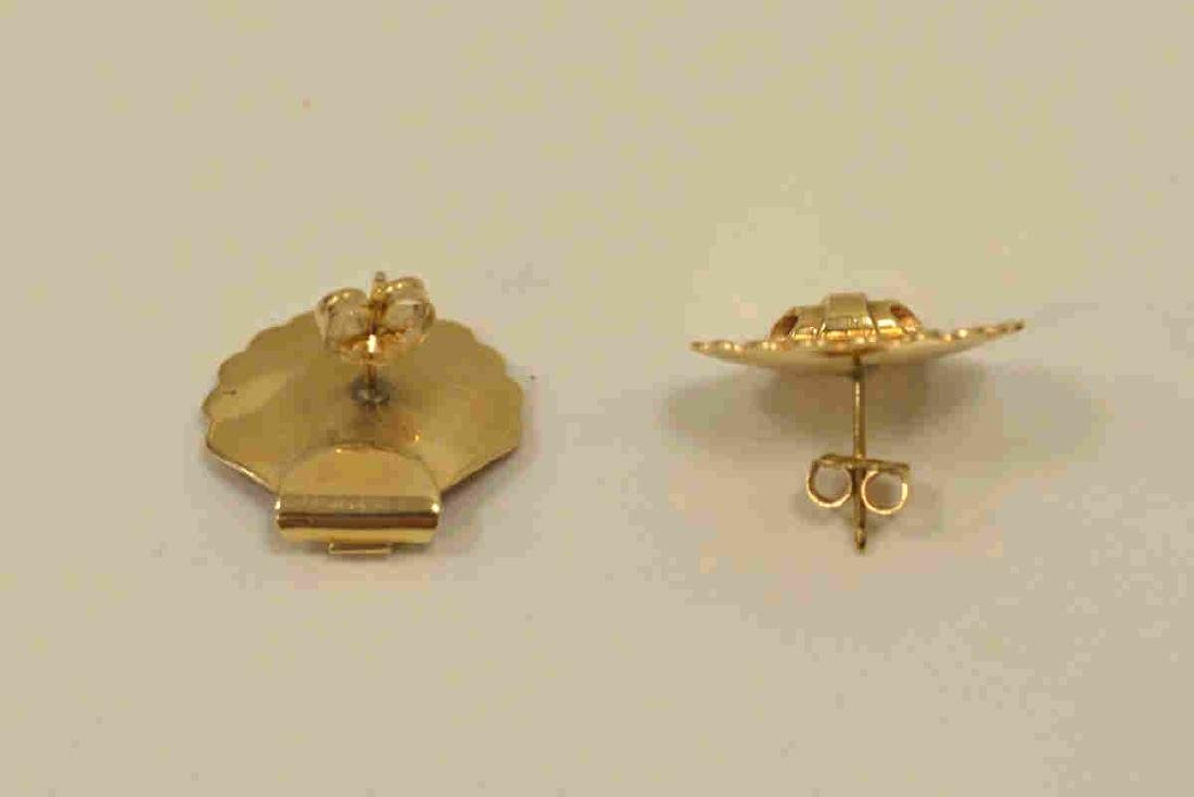 14kt yellow gold shell earrings - 3