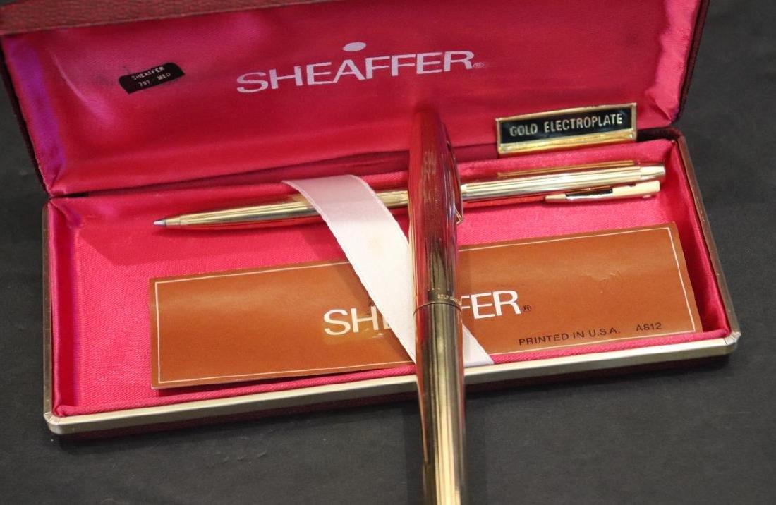 Vintage Sheaffer 585 Fountain & Ballpoint Pen Set - 2