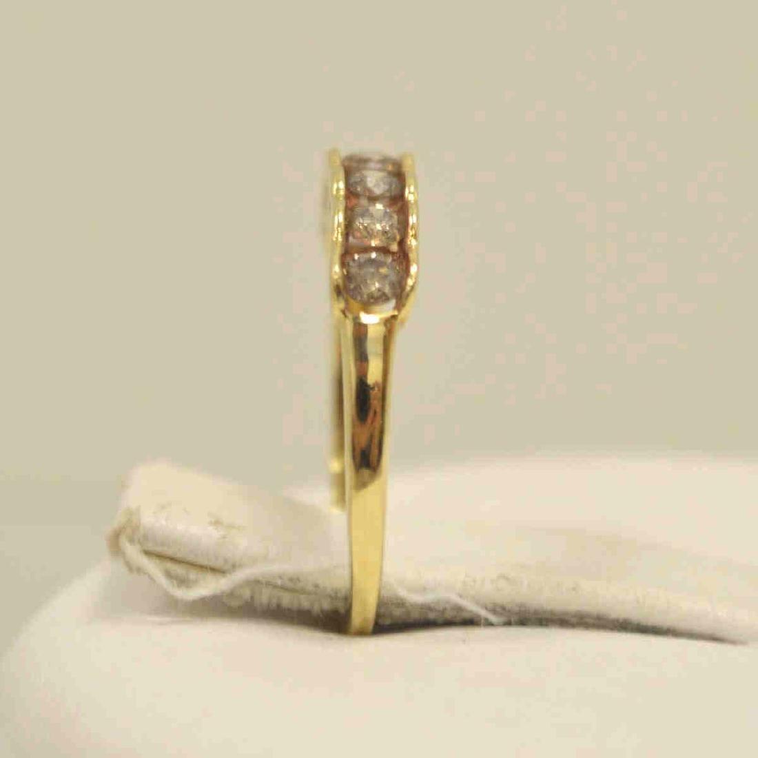 10kt yellow gold diamond band - 4