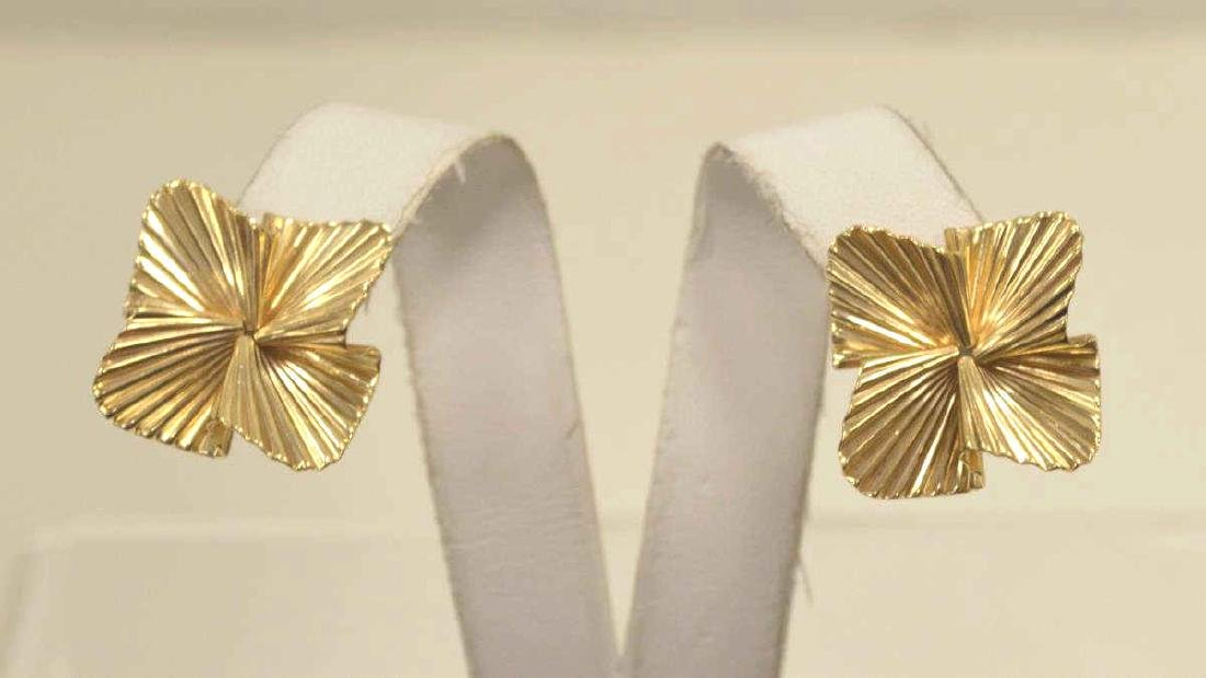 14kt yellow gold fluted ribbon earrings by Tiffany