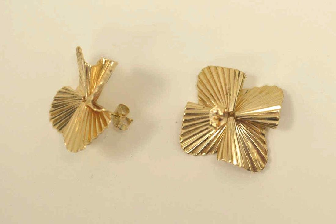 14kt yellow gold fluted ribbon earrings by Tiffany - 4