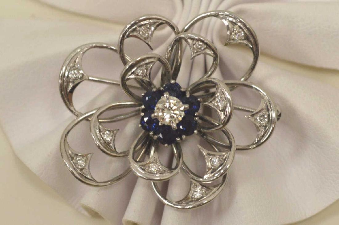 14kt white gold flower pin