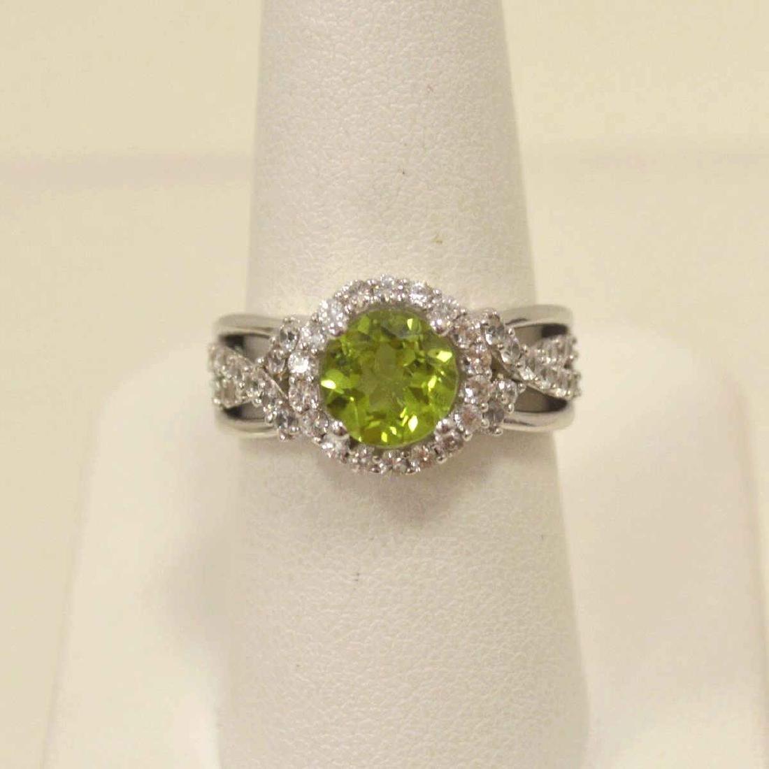 Sterling Silver Peridot Fashion ring