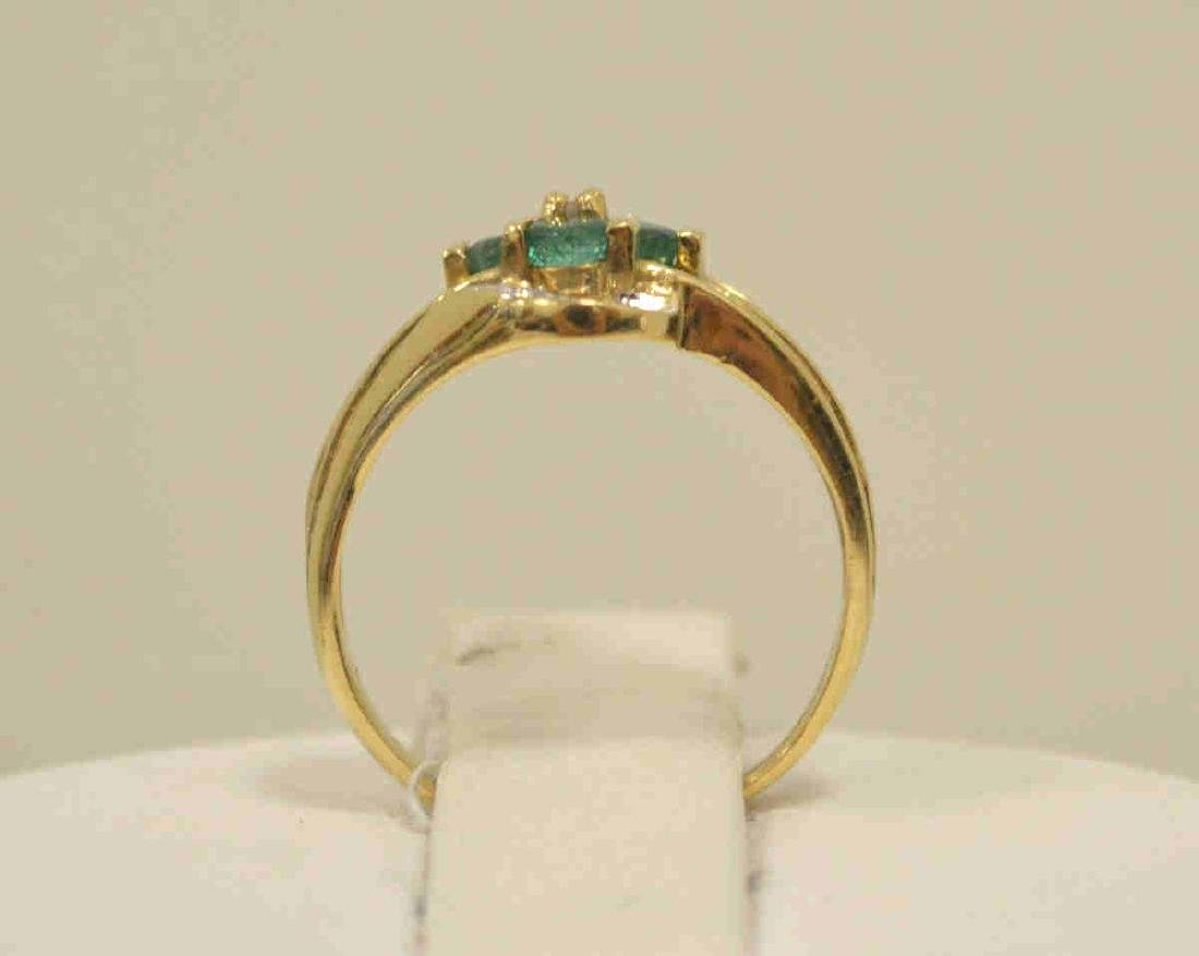 10kt yellow gold emerald and diamond ring - 3