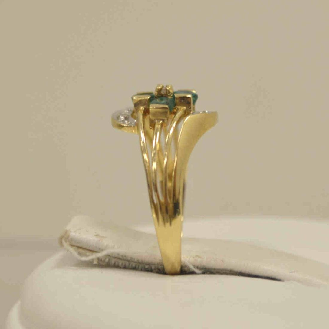 10kt yellow gold emerald and diamond ring - 4