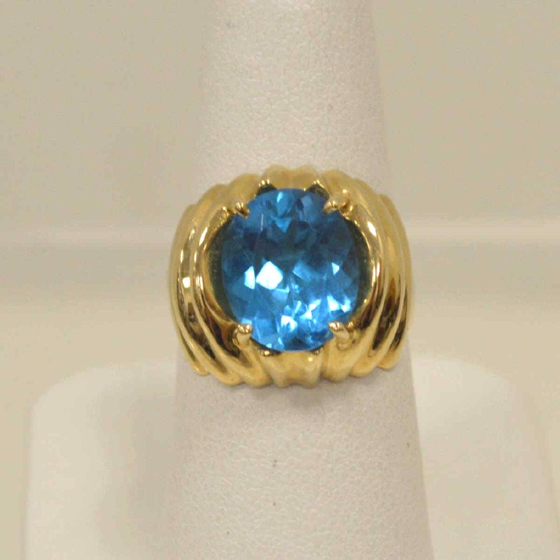 14kt yellow gold blue topaz ring