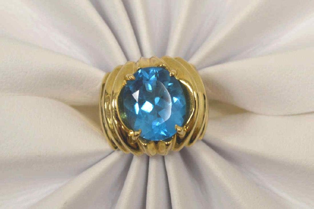 14kt yellow gold blue topaz ring - 5