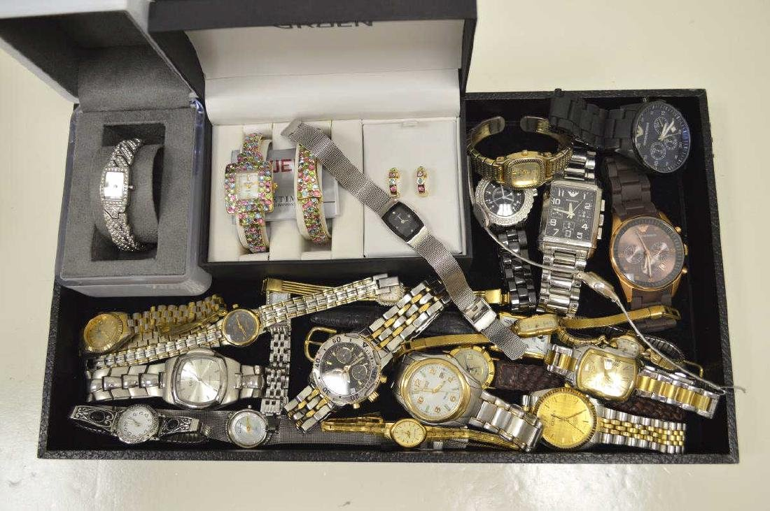 Large lot of Men's and Ladies Watches
