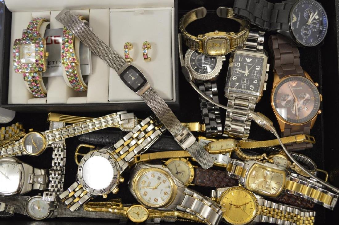 Large lot of Men's and Ladies Watches - 3