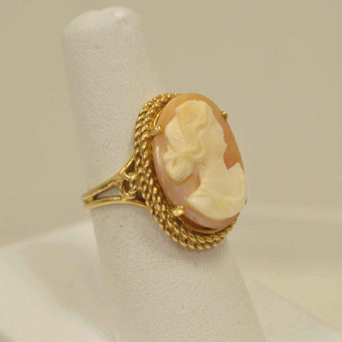 10kt yellow gold cameo ring - 2