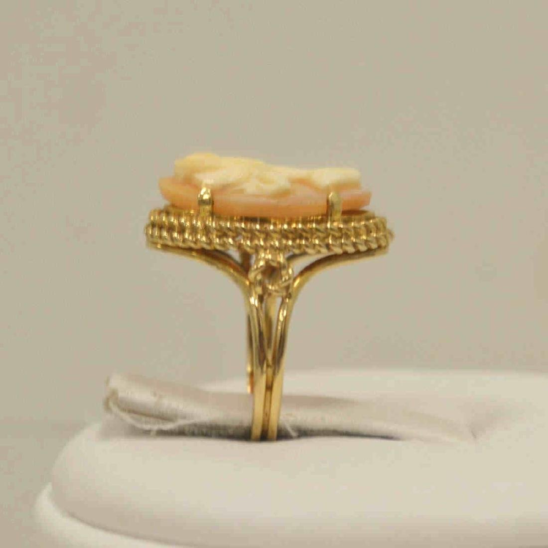 10kt yellow gold cameo ring - 4