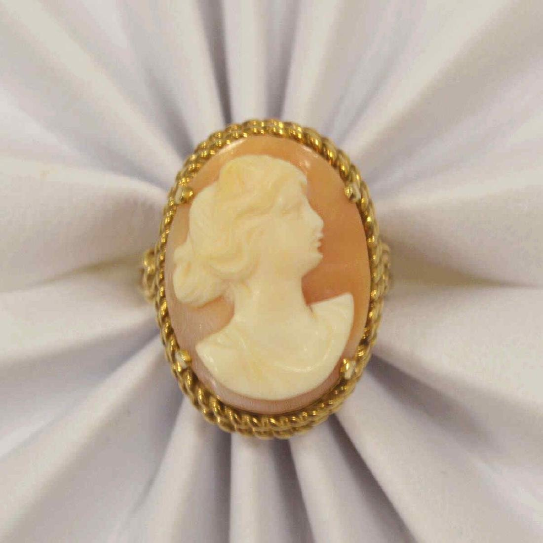 10kt yellow gold cameo ring - 5