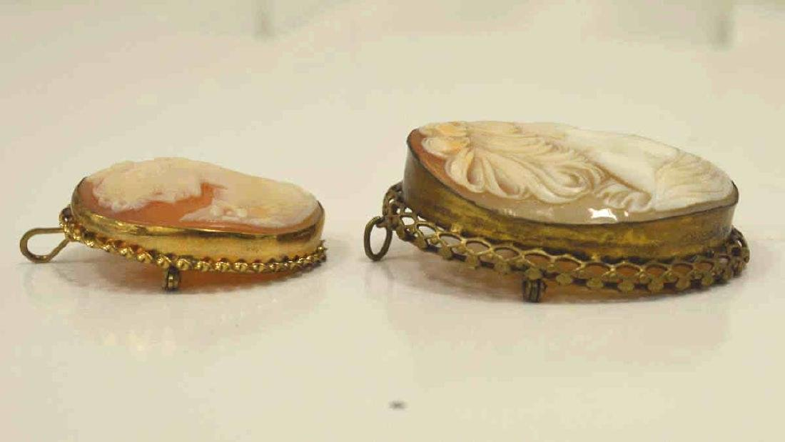 Pair of gold plated cameo pins - 3
