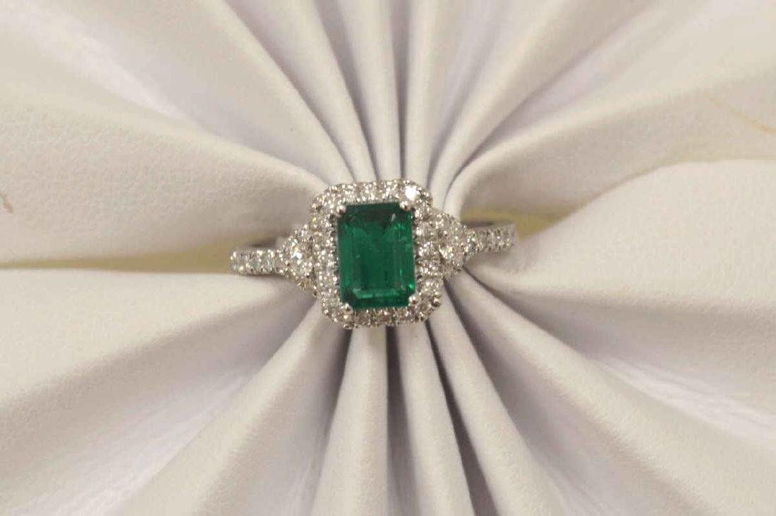 14kt white gold emerald and diamond ring - 5