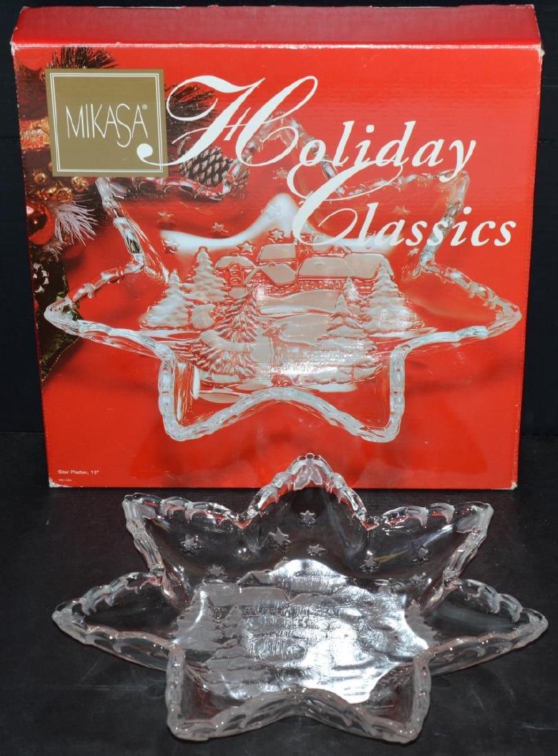 "Mikasa Holiday Classics 13"" Glass Star Platter - 2"