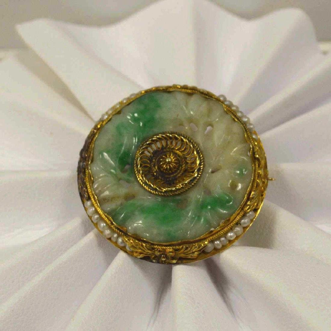 Vintage 14kt yellow gold jade and pearl brooch