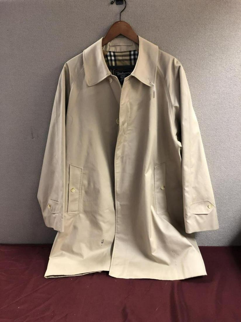 Mens Burberrys' Trench Coat Cotton Poly Size 50