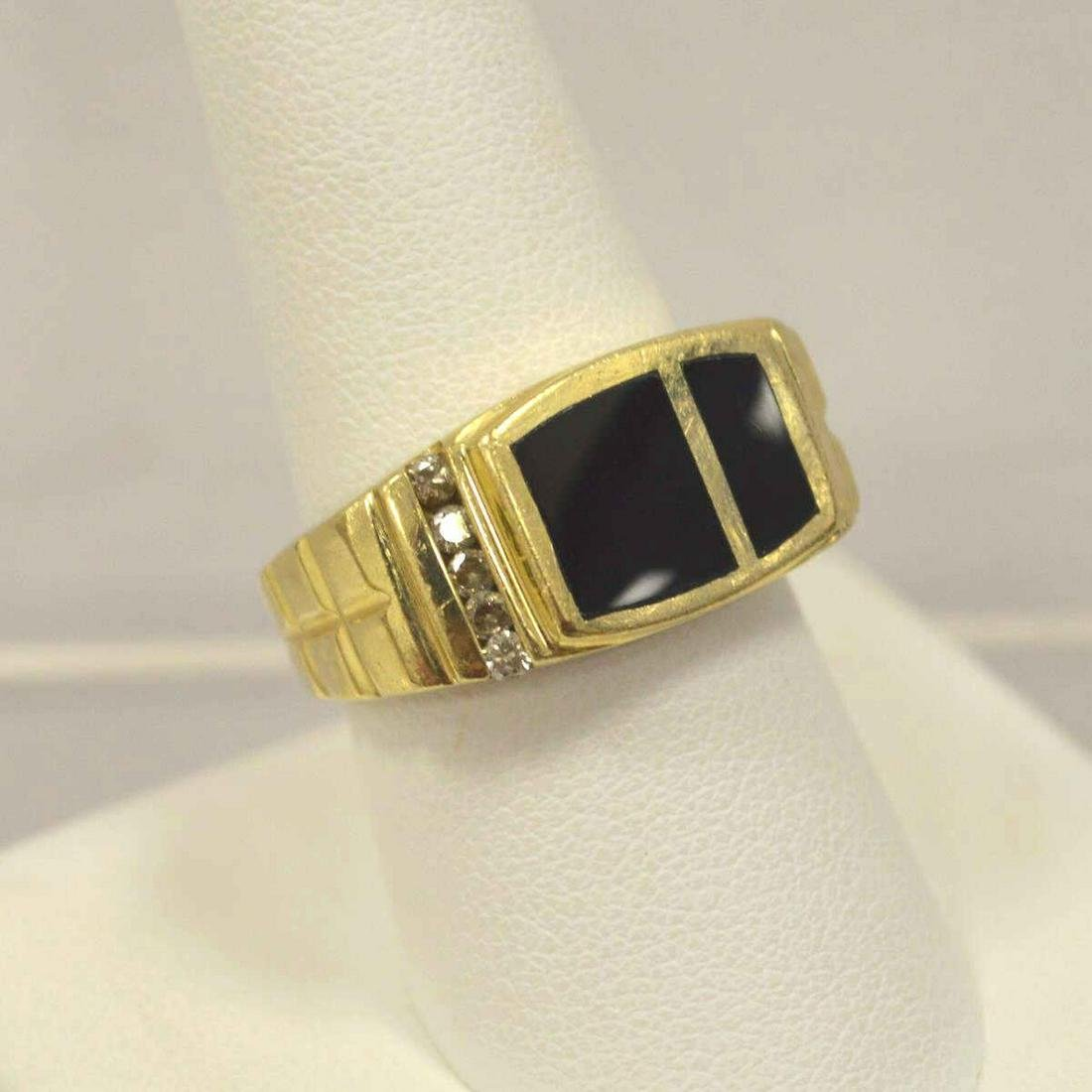 14kt yellow gold onyx and diamond ring