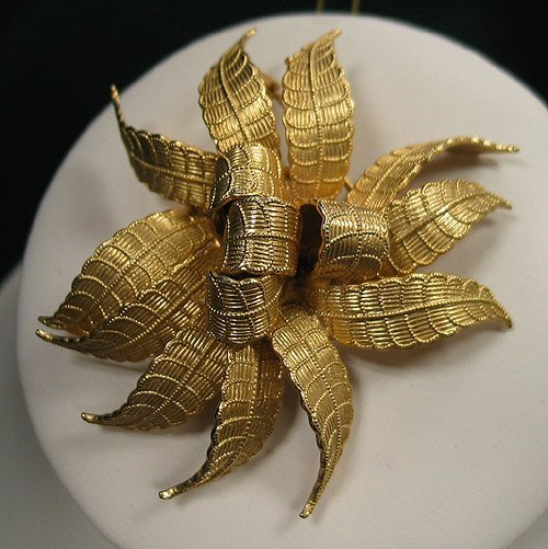 6: Brooch - gold tone