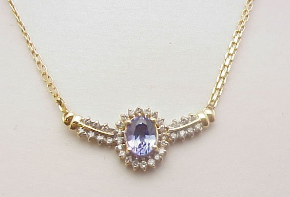 2039: Tanzanite & diamond necklace