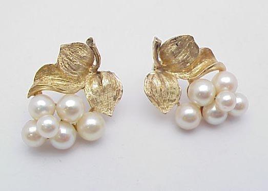 3008: Pearl cluster earrings 14 kt