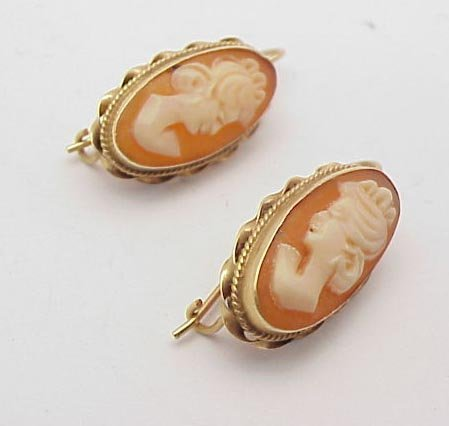 3015: Cameo earrings