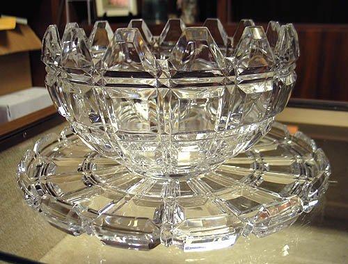 3018: Towle crystal bowl with underplate
