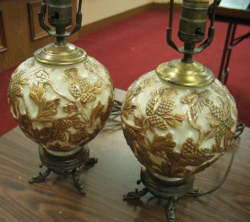 3001: Phoenix glass Lamps pinecone design