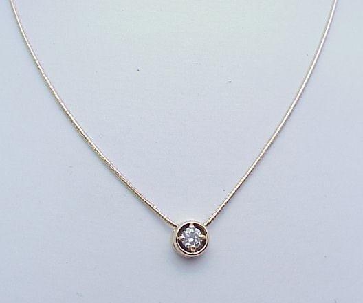 3080: Diamond Pendant 1.05 ct 14kt chain