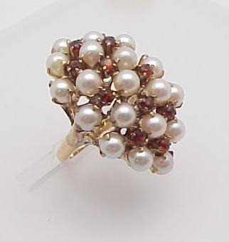 3024: Pearl & Garnet Ring