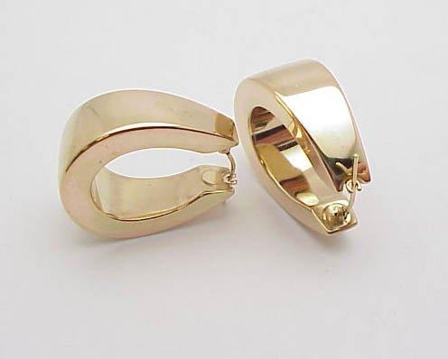 3007: Wide 14kt Gold Hoop Earrings