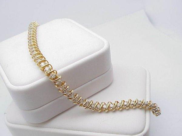 3024: Lady's Diamond Tennis Bracelet