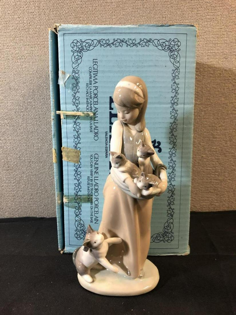 Lladro Porcelain Figurine Number 1309 In The Box