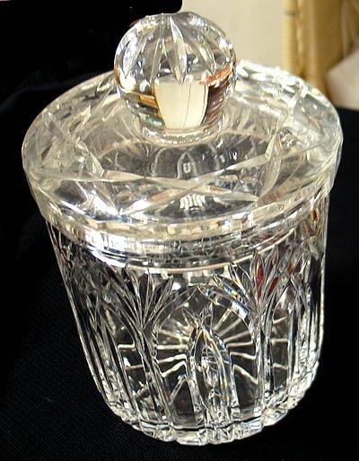 20: Cut crystal Biscuit jar