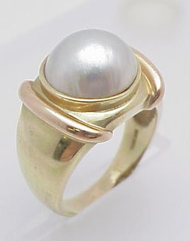 15: Mabe Pearl Ring 14kt yellow gold