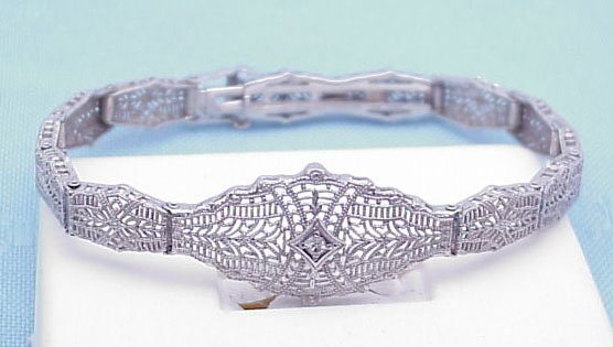 16: 14kt White Gold Filigree Bracelet