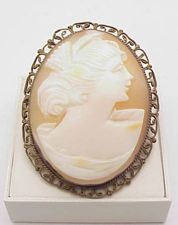 2002: Vintage Cameo Pin